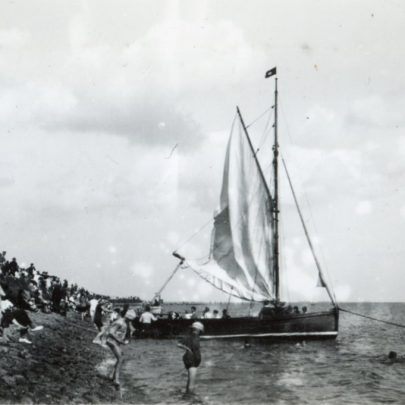 A sailing trip really went by sail in 1925 | Henry Clubb