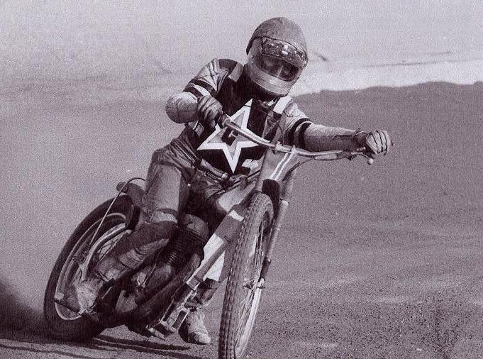 Vic riding for Sunderland in 1974 | Brian Longman