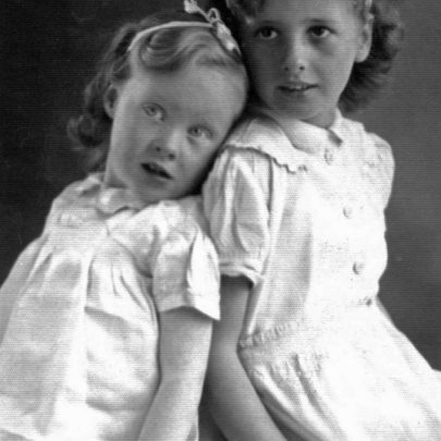 1948 - Shirley and Sandra Hollingbery | Shirley Thomas