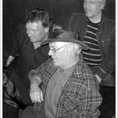 Dr Feelgood Manager Chris Fenwick, original Jug Band 'Feelgood' member Phil 'Harry' and Pekka from Finland | Dave Bullock